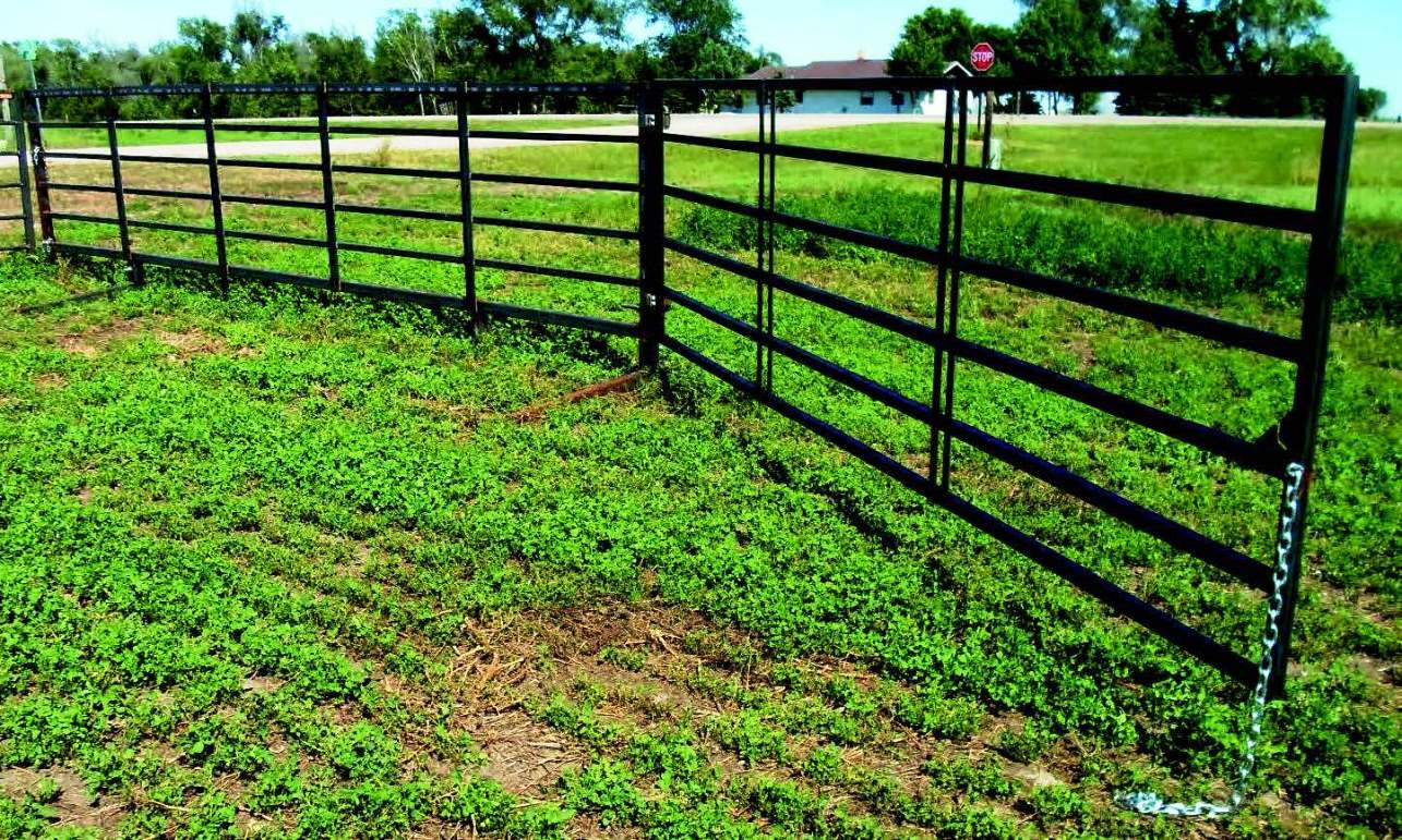 7 Bar 20 Heavy Duty Freestanding Livestock Panel