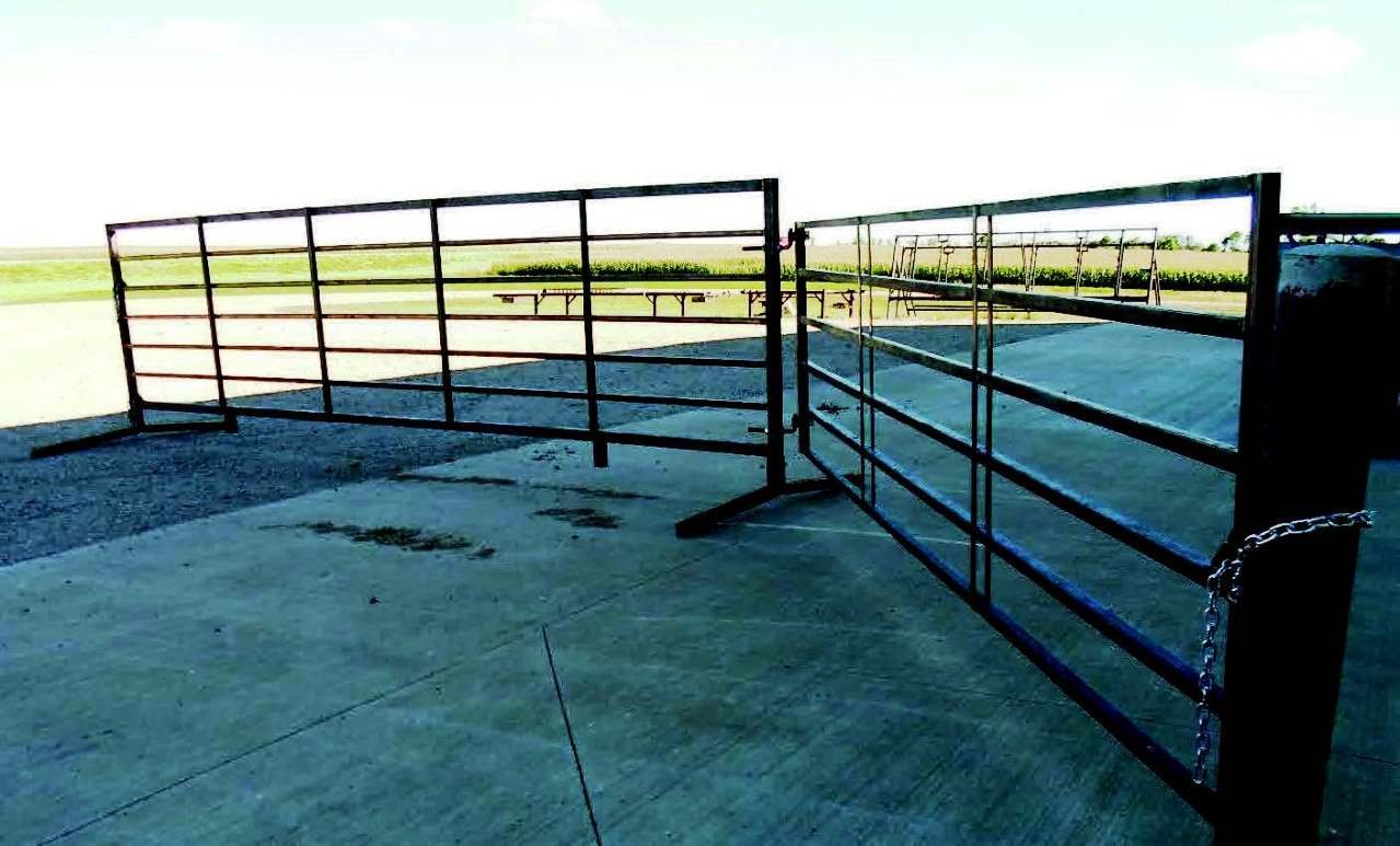 7-Bar 20′ Heavy-Duty Freestanding Livestock Panel | Prairie States Seed